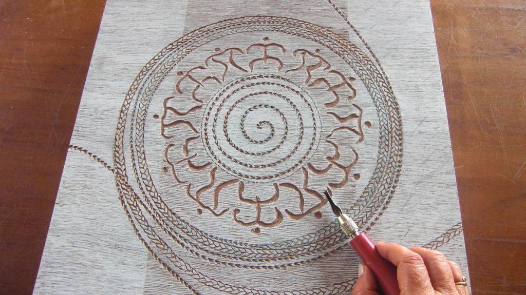 Joelle carving